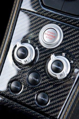 McLaren MP4-12C Обзор - Фотографии (20)