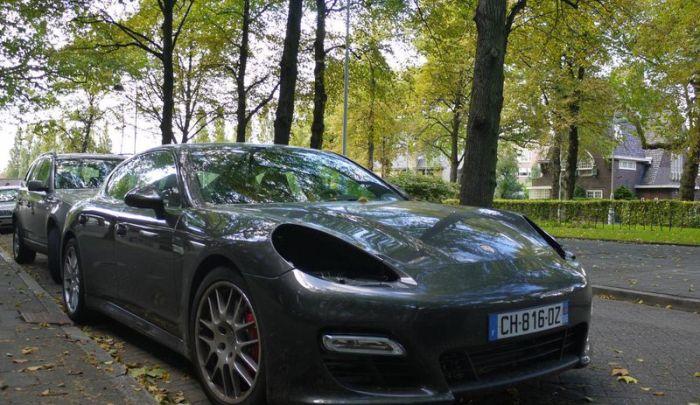 В Голландии зафиксировано массовое воровство фар от машин