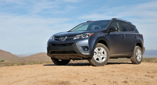 2013 Toyota RAV4:Первый обзор