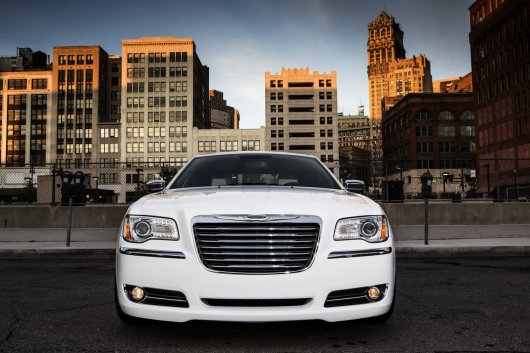 2013-2014 Chrysler 300 Motown Edition:Фото обзор
