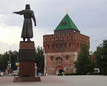 В Нижнем Новгороде суд обязал дорожников оплатить ремонт автомобиля