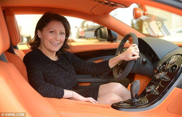 Анита Кризсан признана самой лучше менеджером в мире по продажам автомобилей.
