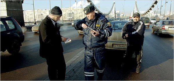 ГИБДД РФ заявило, что лишение водительских прав менее эффективная мера по сравнению с большими штрафами.