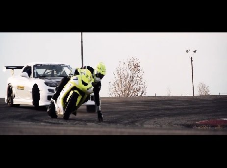 Motorcycle vs. Car Drift Battle фото