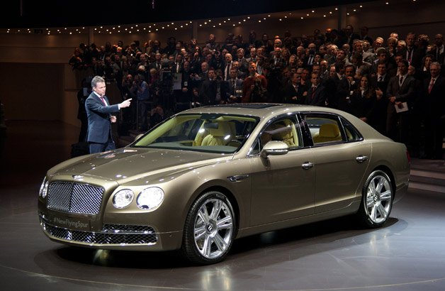 Дебют 2014 Bentley Flying Spur