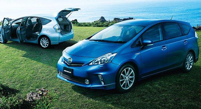 Аналог Toyota Prius V в Японии.