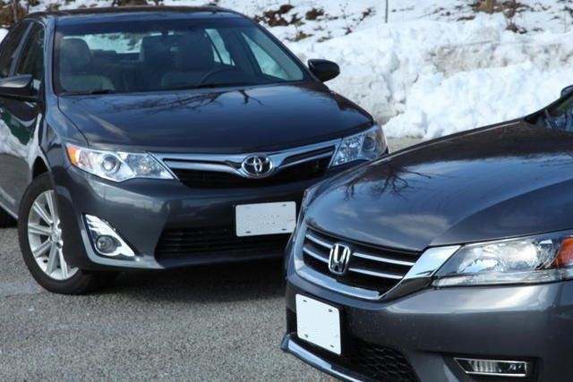 2013 toyota camry vs 2013 honda accord. Black Bedroom Furniture Sets. Home Design Ideas