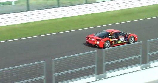 Авария Ferrari 458 на трассе Suzuka