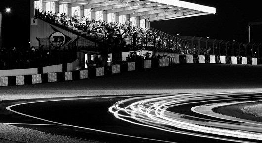 24 часа Ле-Мана в черно-белом формате