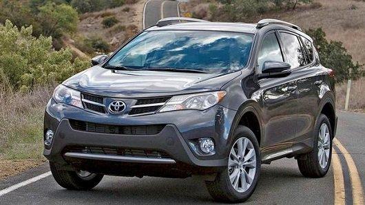 Компания Toyota обновит RAV4 и Camry для улучшения безопасности