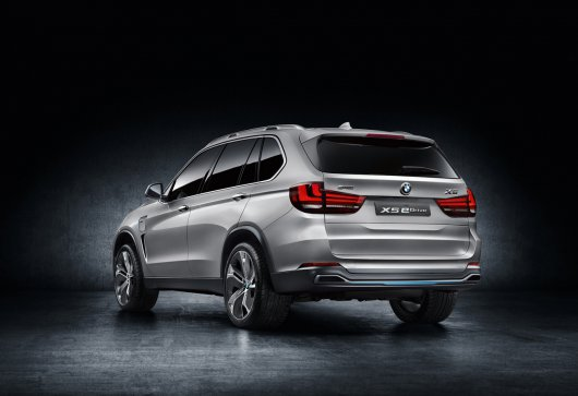 Гибридная 2015 BMW X5 eDrive (F15) будет показана во Франкфурте