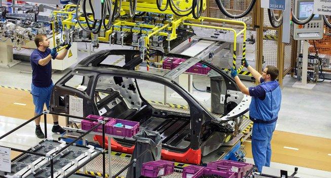 BMW начинает производство новой модели i3