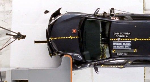 2014 Тойота Королла получила плохую оценку по результатам краш-тестов