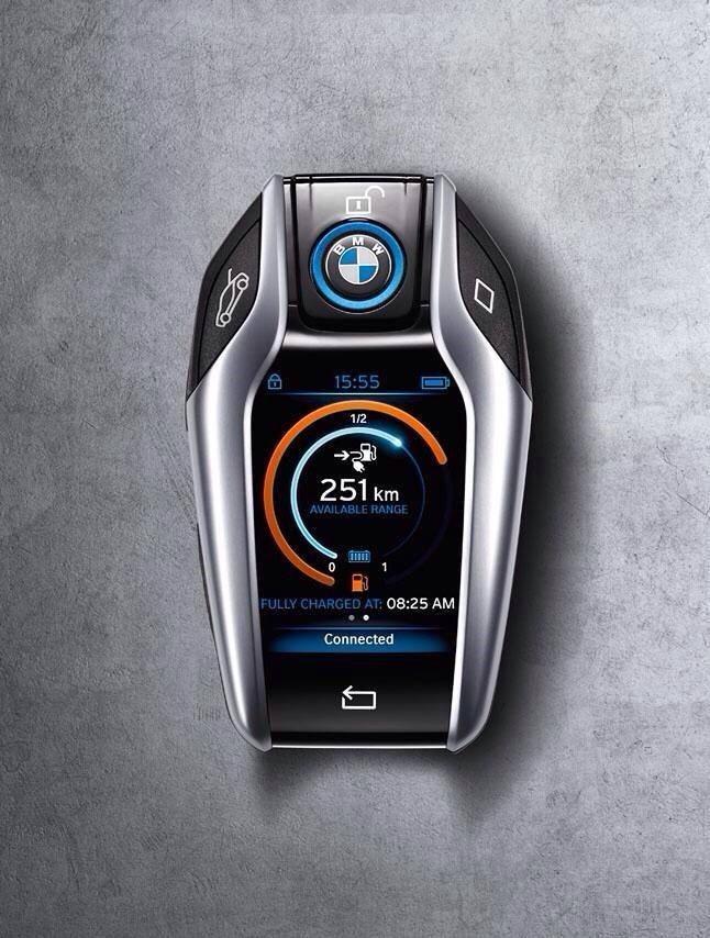 BMW i8 ключ-брелок: Новый цифровой век
