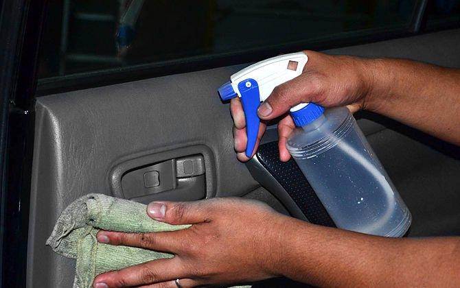Как убрать запах из машины своими руками 61