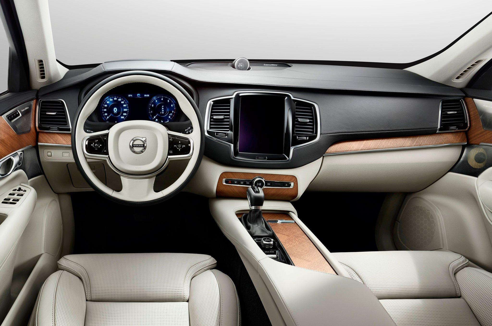 Volvo xc90 фото интерьер
