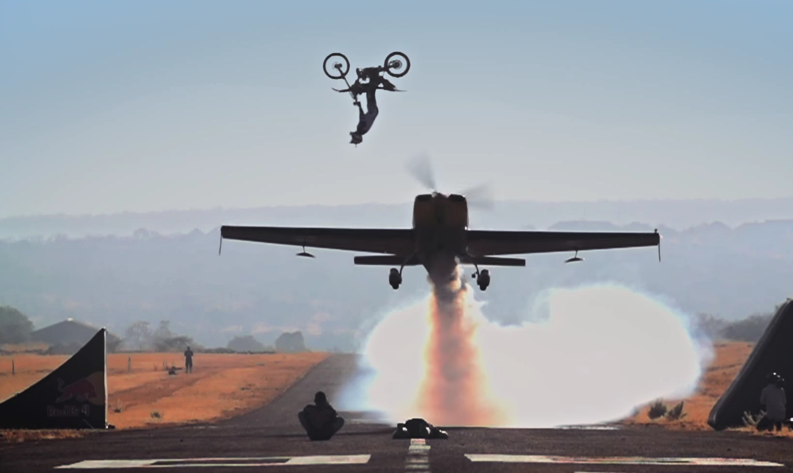 фото трюки на самолетах