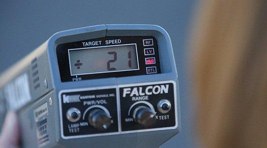 С 2015 года за превышение скорости более чем на 10км/час начнут штрафовать