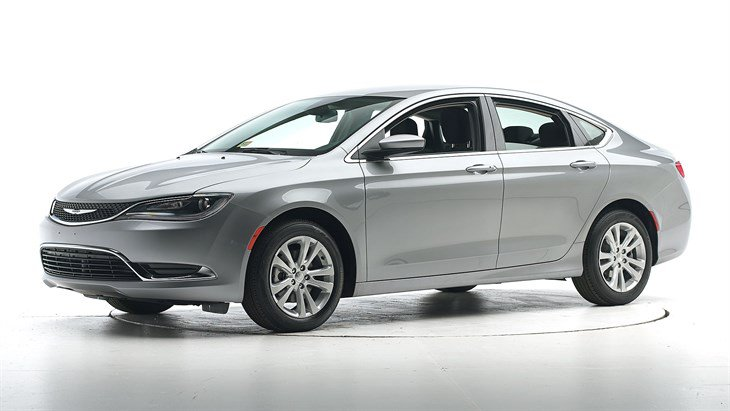 Краш-тест 2015 Chrysler 200 фото