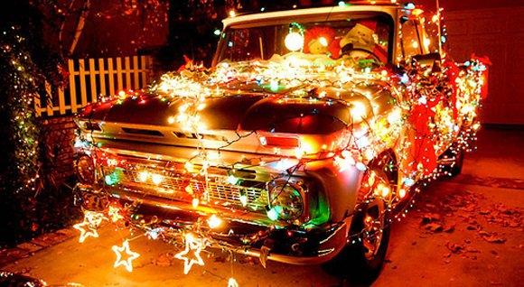 Новогоднее настроение на автомобильную тематику [Фотографии]