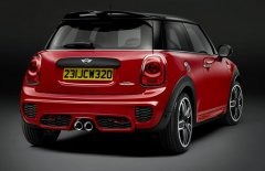 ��������� �������� MINI JCW Hatch �� ���������� � �������� 2015 ����