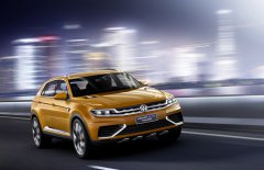 ��������� �������� VW Crossover �� ���������� � �������� 2015 ����