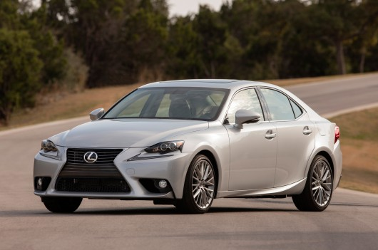 Lexus IS - ������ ����������������� ���������� ����