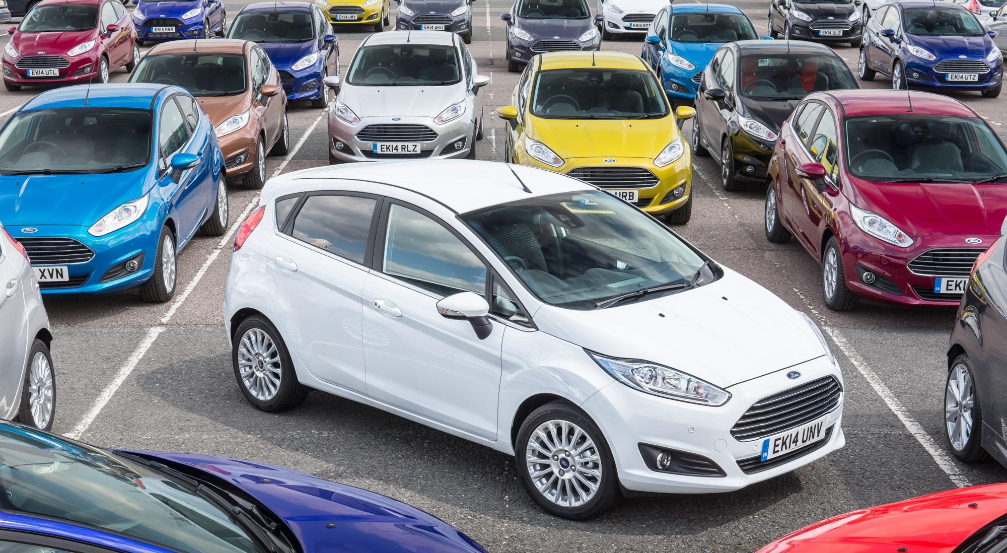 bc014d69a68b Продажи автомобилей в России  за 4 месяца 2015 года » Информационное ...