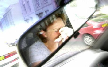 Можно ли принимать лекарства от простуды и обезбаливающее, не содержащие наркотических и психотропных веществ и садиться за руль автомобиля?