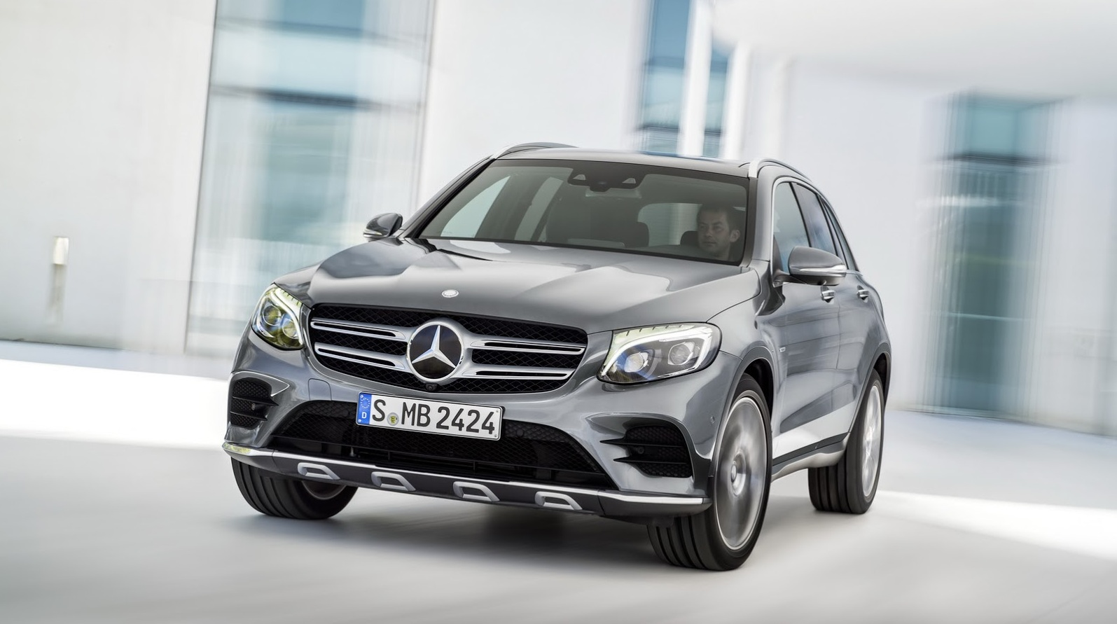 2016 Mercedes-Benz GLC: ����������� ����������