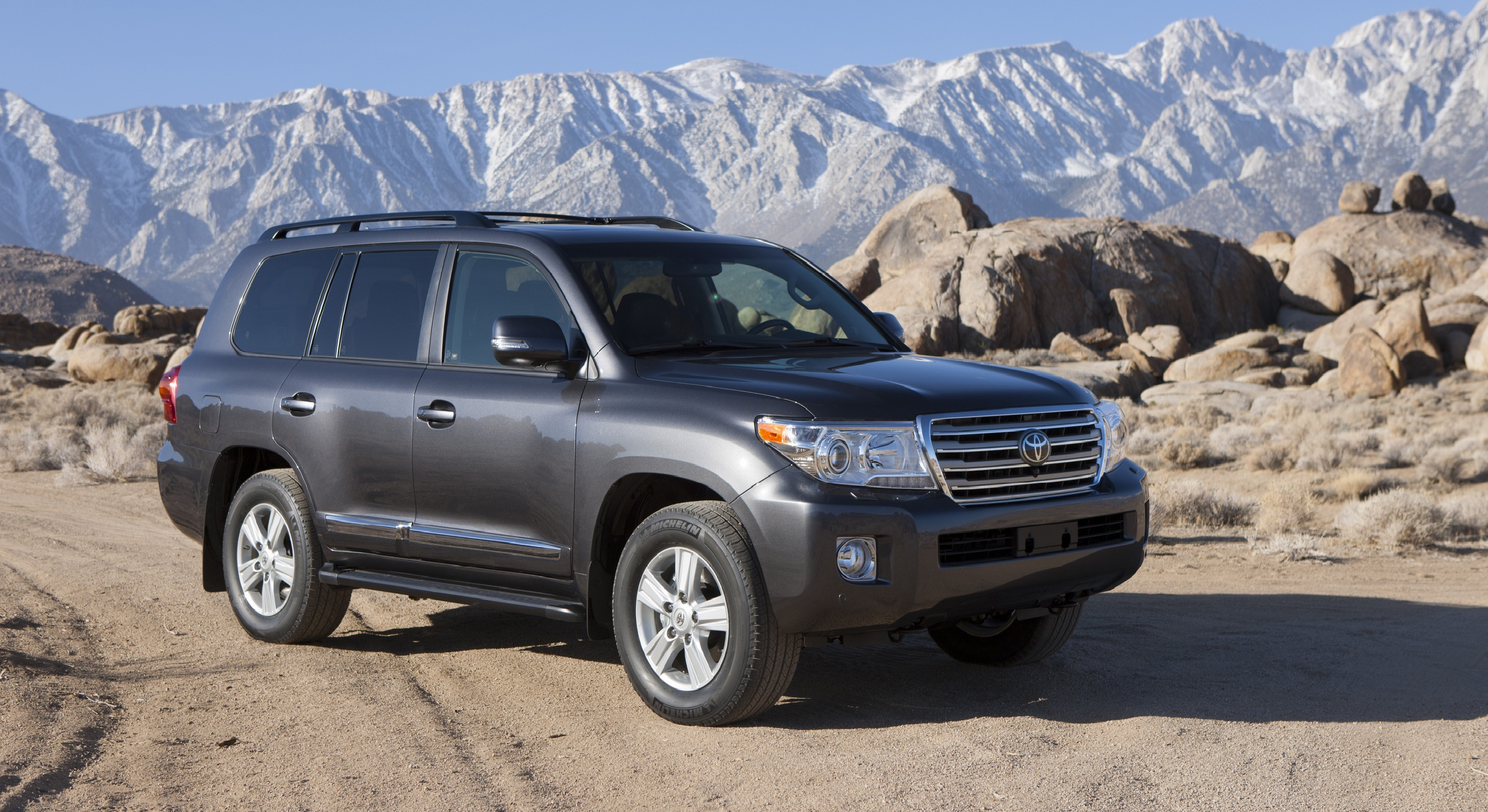������ Toyota Land Cruiser ����� ��� ������ ����