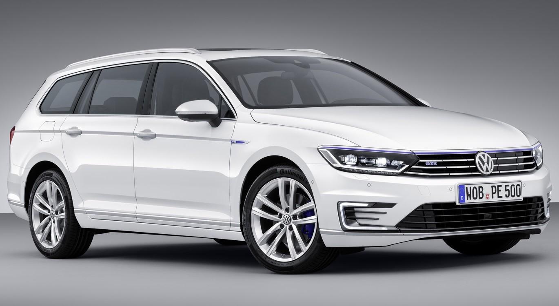 VW начал продажи обновленного седана Passat в России