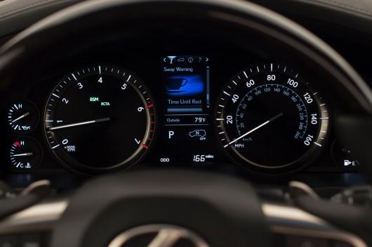 2016 Lexus LX представлен с новым дизайном и 8-ми ступенчатой коробкой передач 35 фото