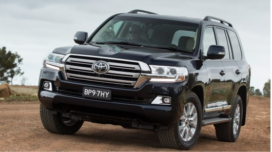 2016 Toyota Land Cruiser 200: Премьера в Японии