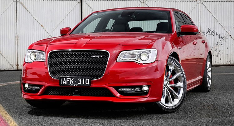 ���������� ������ Chrysler 300 SRT ����� ���������� ��� ���