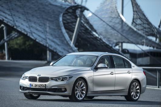 Новый BMW 330e – сверхнизкий уровень потребления и выбросов