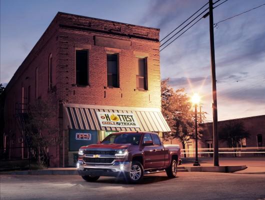 2016 Chevrolet Silverado представлен в Техасе, 5,3-литровый V8 с 8-ступенчатой автоматической Фото