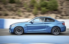 BMW M2 против Porsche Cayman GT4
