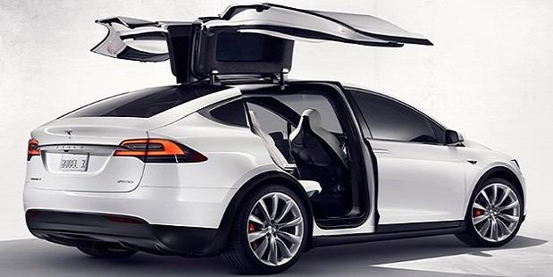 Тесла Model X станет дешевле