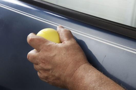 1447151174 5 - Чем убрать глубокие царапины на машине
