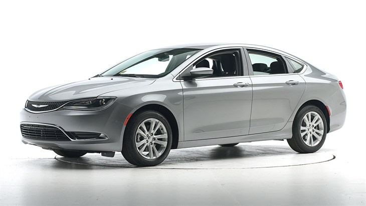 Краш-тест 2016 Chrysler 200