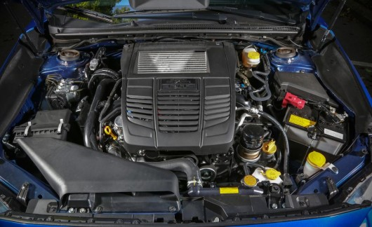 2015 Subaru WRX против 2015 Volkswagen GTI