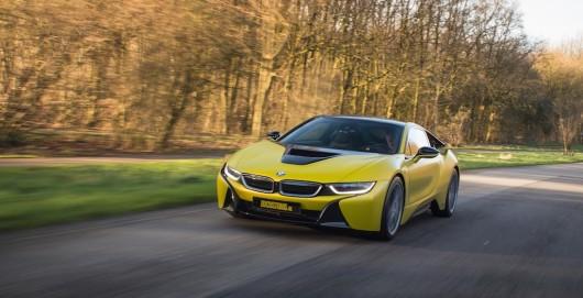 BMW i8 получает новый колоритный цвет кузова