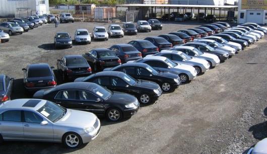 Как заработать, купив автомобиль в России и продать за рубежом