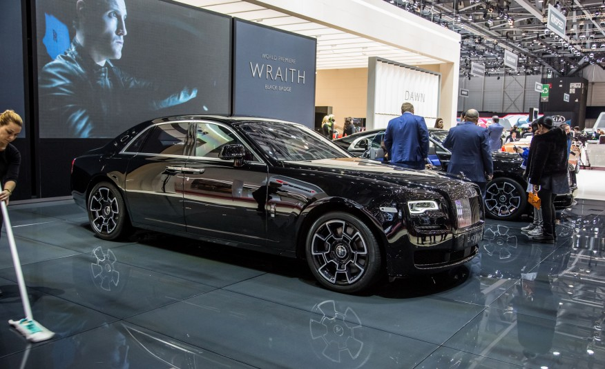 rolls royce ghost wraith. Black Bedroom Furniture Sets. Home Design Ideas