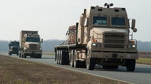 Американская армия испытает самодвижущиеся грузовики