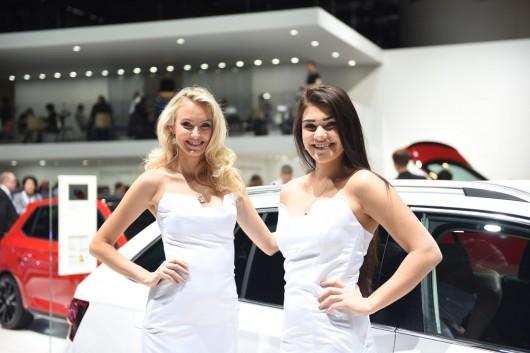 Девушки на Женевском автосалоне 2016 года