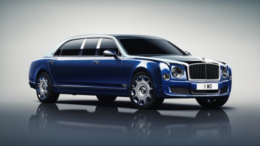 Bentley Mulsanne Mulliner Stretch Limo на автосалоне в Женеве 2016