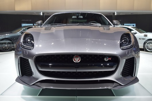 Jaguar F-Type SVR  на автосалоне в Женеве 2016