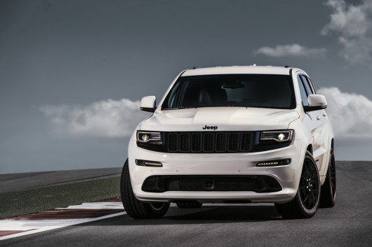 Jeep Grand Cherokee SRT Night  на автосалоне в Женеве 2016